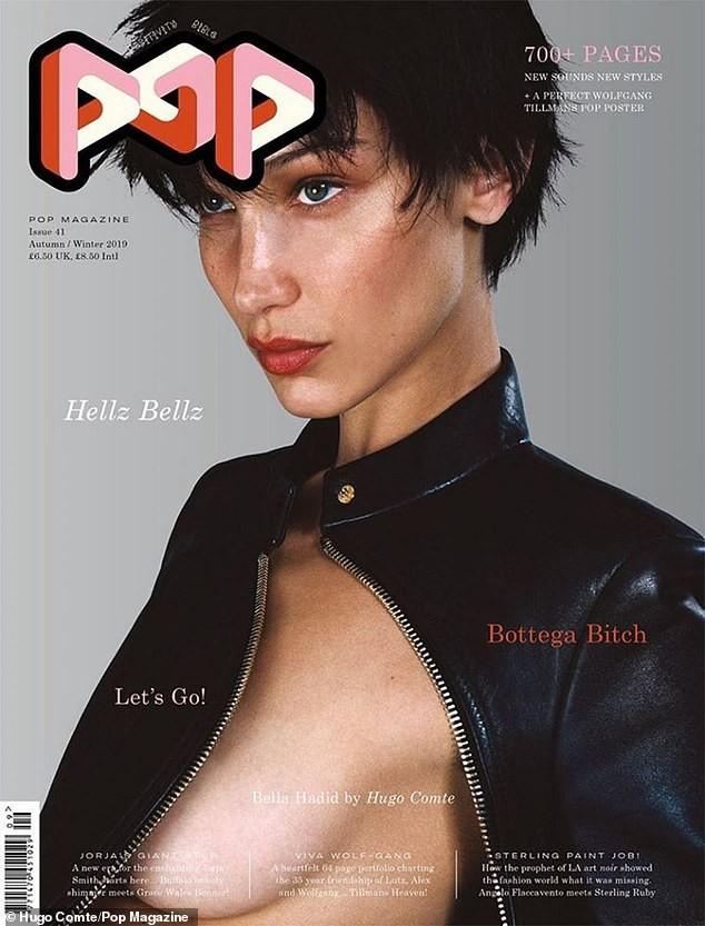 'Nóng mặt' Bella Hadid phanh áo lộ ngực trần trong hậu trường chụp ảnh - ảnh 3