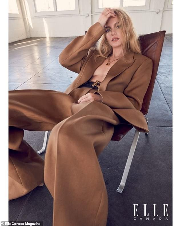 Mỹ nhân Kate Bosworth phanh áo khoe ngực trần trên bìa tạp chí - ảnh 5