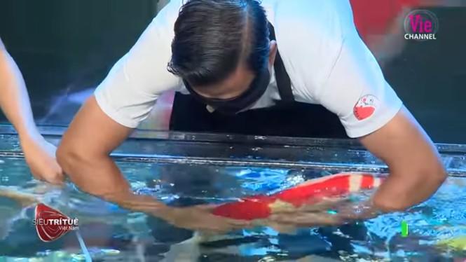 Bất ngờ màn trình diễn hơn 8 tỷ đồng của 'vua cá koi' ở 'Siêu trí tuệ Việt Nam' - ảnh 2