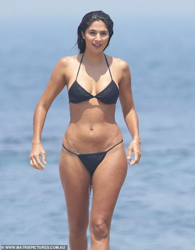 Siêu mẫu Pia Miller khoe dáng 'bỏng rẫy' với bikini - ảnh 9