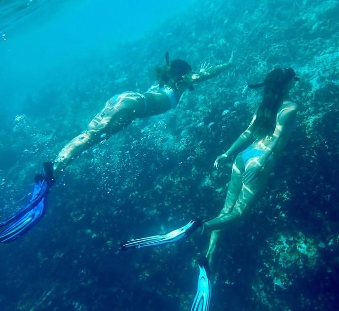 'Thiên thần' Brazil hút hồn với bikini cut-out sexy tại Maldives - ảnh 4