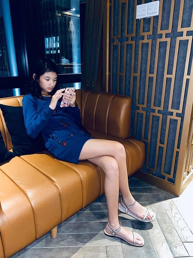 Con gái Trần Bảo Sơn và Trương Ngọc Ánh cao nổi bật, lộ nét hoa hậu ở tuổi 11 - ảnh 2