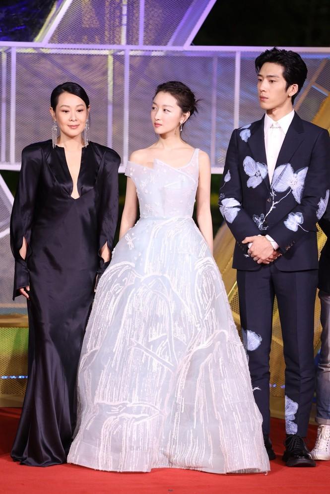 Dàn sao hạng A Hoa ngữ 'đổ bộ' thảm đỏ lễ trao giải Kim Kê 2019 - ảnh 13