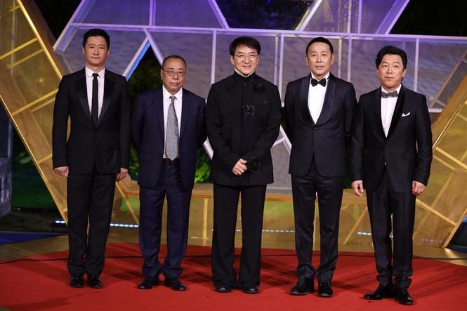 Dàn sao hạng A Hoa ngữ 'đổ bộ' thảm đỏ lễ trao giải Kim Kê 2019 - ảnh 17