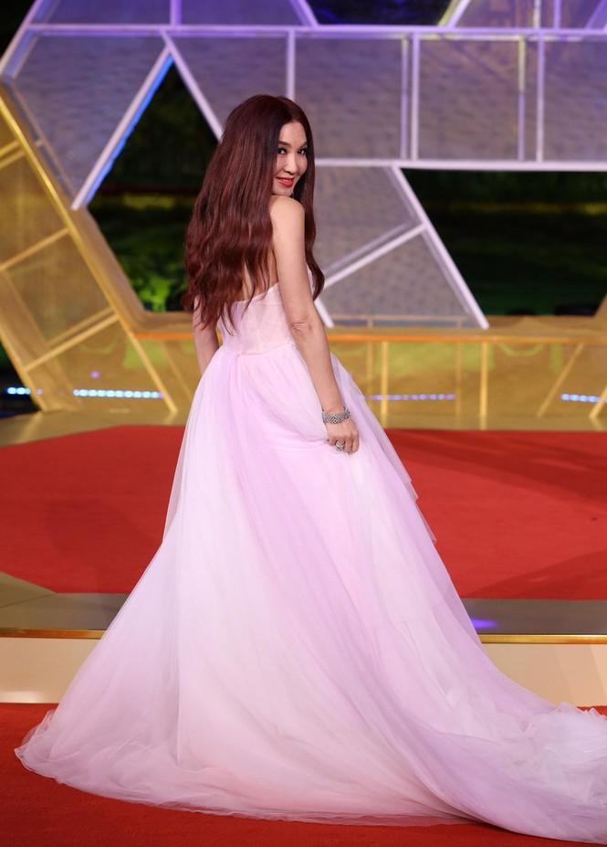 Dàn sao hạng A Hoa ngữ 'đổ bộ' thảm đỏ lễ trao giải Kim Kê 2019 - ảnh 20