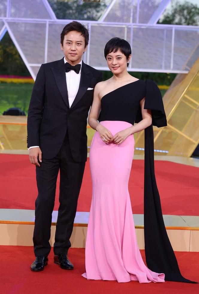 Dàn sao hạng A Hoa ngữ 'đổ bộ' thảm đỏ lễ trao giải Kim Kê 2019 - ảnh 1
