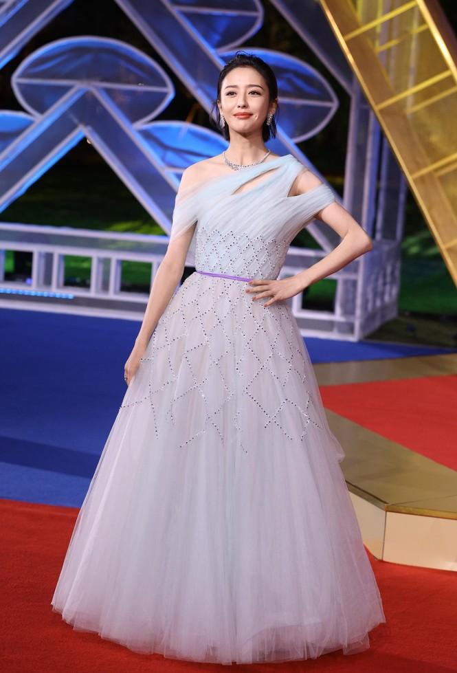 Dàn sao hạng A Hoa ngữ 'đổ bộ' thảm đỏ lễ trao giải Kim Kê 2019 - ảnh 2