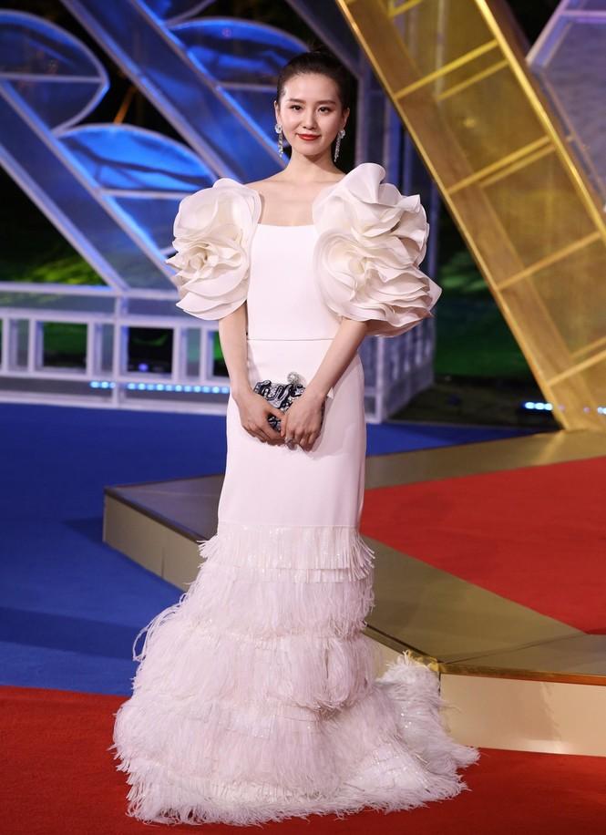 Dàn sao hạng A Hoa ngữ 'đổ bộ' thảm đỏ lễ trao giải Kim Kê 2019 - ảnh 6
