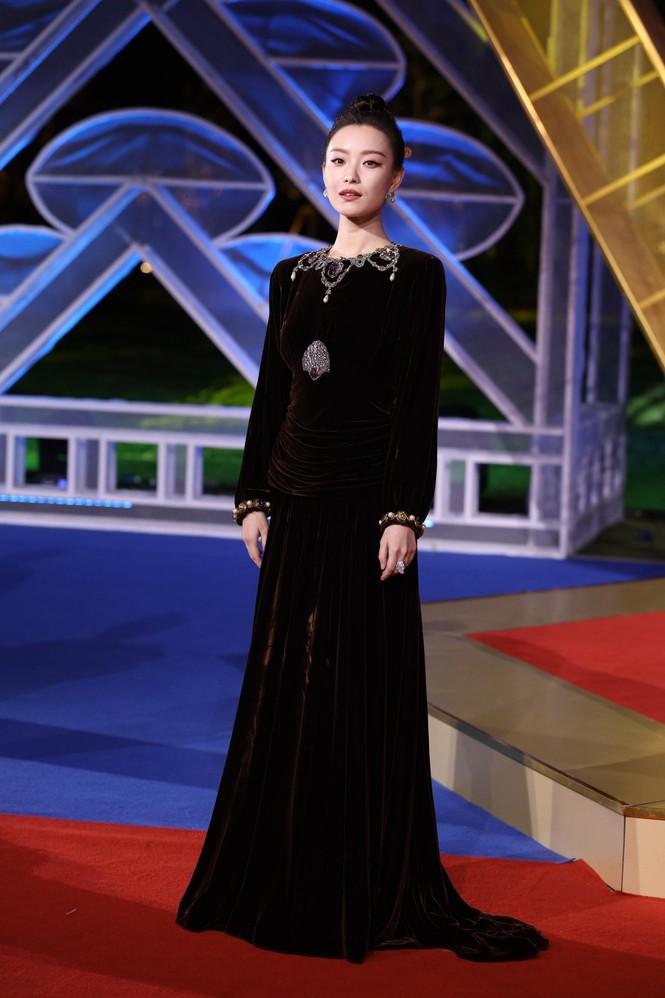Dàn sao hạng A Hoa ngữ 'đổ bộ' thảm đỏ lễ trao giải Kim Kê 2019 - ảnh 7
