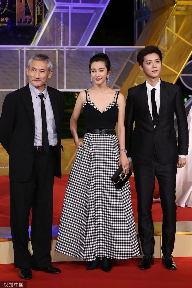 Dàn sao hạng A Hoa ngữ 'đổ bộ' thảm đỏ lễ trao giải Kim Kê 2019 - ảnh 9