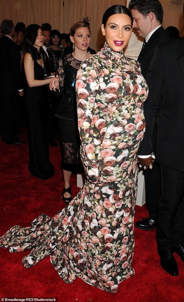 Bộ váy lai... khố của Miley Cyrus lọt top 5 'thảm hoạ của thập niên' - ảnh 4