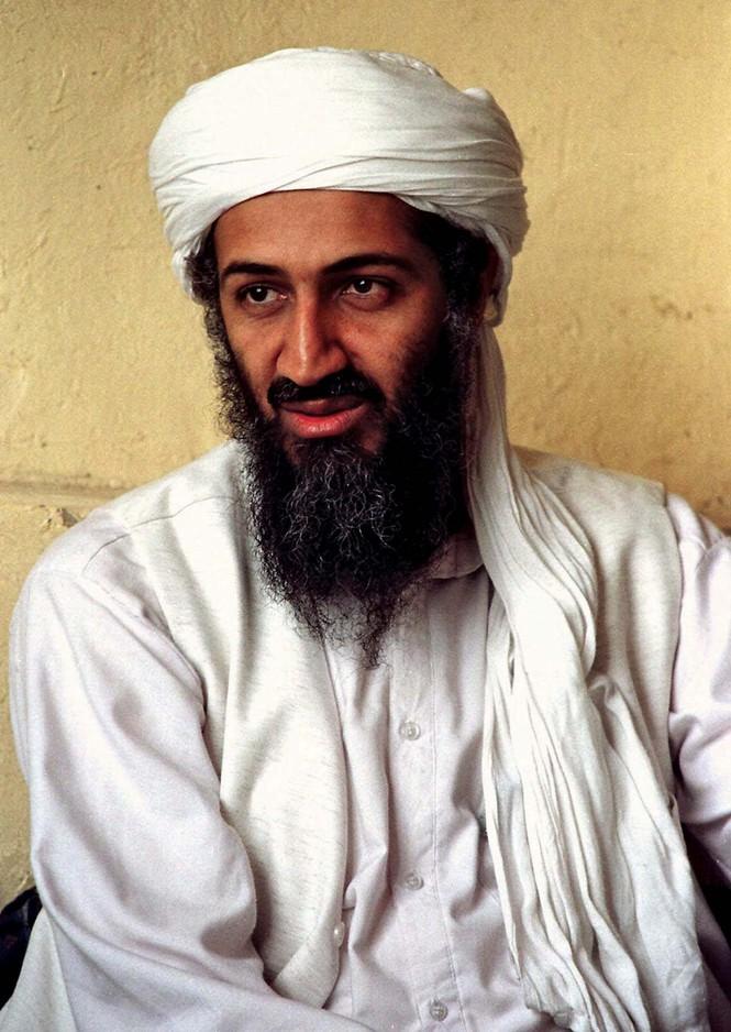 Ít biết về cháu gái ca sĩ của 'trùm' khủng bố Osama bin Laden - ảnh 7