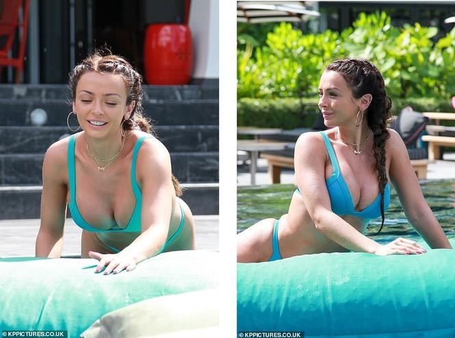Mỹ nhân Anh Kady McDermott diện bikini 'bốc lửa' tại Thái Lan - ảnh 6