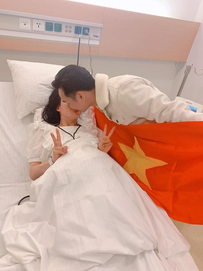 Phát 'sốt' với muôn kiểu ăn mừng Việt Nam vô địch bóng đá SEA Games của sao Việt - ảnh 3