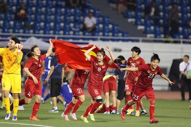 Lệ Quyên 'chơi lớn' mời U22 Việt Nam và đội bóng đá nữ dự liveshow 30 tỷ - ảnh 1
