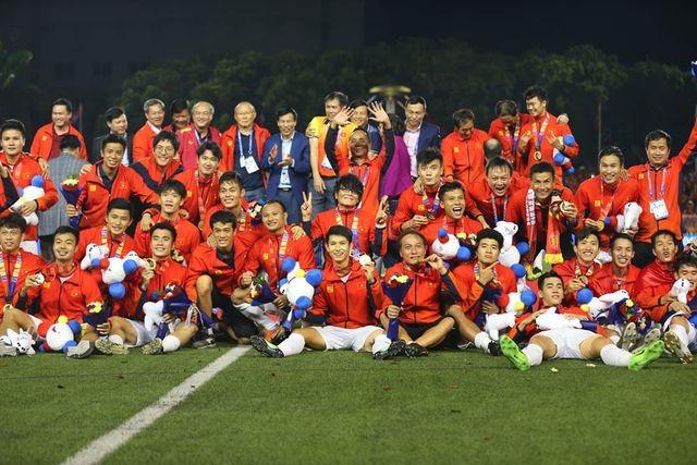 Lệ Quyên 'chơi lớn' mời U22 Việt Nam và đội bóng đá nữ dự liveshow 30 tỷ - ảnh 2