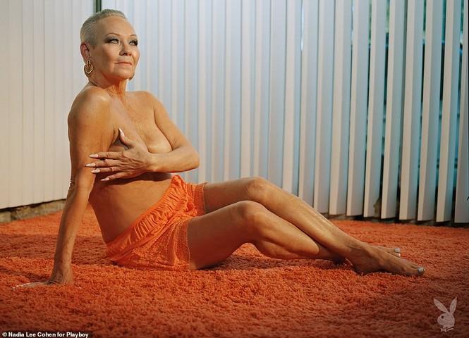 Loạt cựu mẫu Playboy tái xuất trong một khung hình, U70 vẫn tự tin khoả thân - ảnh 4