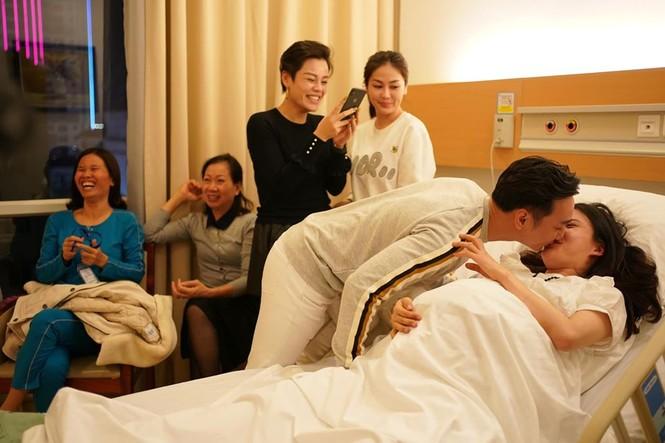 Thành Trung đón cặp song sinh vào đúng thời điểm U22 Việt Nam vô địch SEA Games - ảnh 6