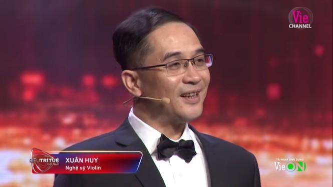 Nghe đàn đoán giới tính, anh trai Khánh Thi khiến MC Lại Văn Sâm kinh ngạc - ảnh 1