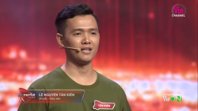 Trấn Thành bị tố 'nhắc bài', thiếu kiến thức trong show Siêu trí tuệ Việt Nam - ảnh 1