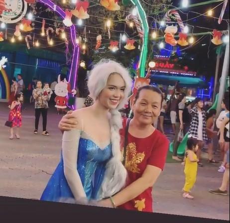Hoá thân thành 'Nữ hoàng băng giá', Ngọc Trinh bị động chạm vòng một - ảnh 2