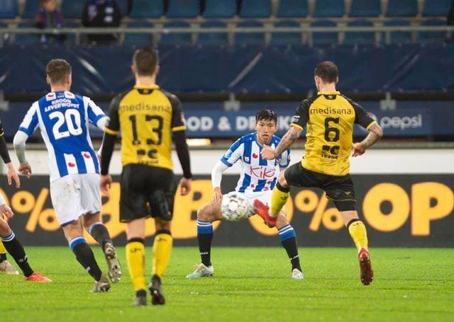 HLV Heerenveen tiết lộ lý do trao cơ hội ra sân cho Văn Hậu - ảnh 1