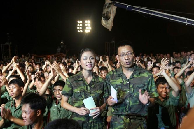 Hình ảnh MC Lại Văn Sâm và Hoàng Linh ở 'Chúng tôi là chiến sĩ' 13 năm trước - ảnh 2