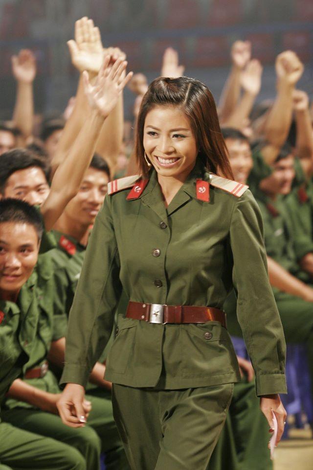 Hình ảnh MC Lại Văn Sâm và Hoàng Linh ở 'Chúng tôi là chiến sĩ' 13 năm trước - ảnh 7