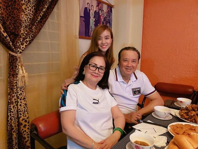 Vợ Hoài Lâm đón sinh nhật bên ông nội Bảo Quốc - ảnh 2