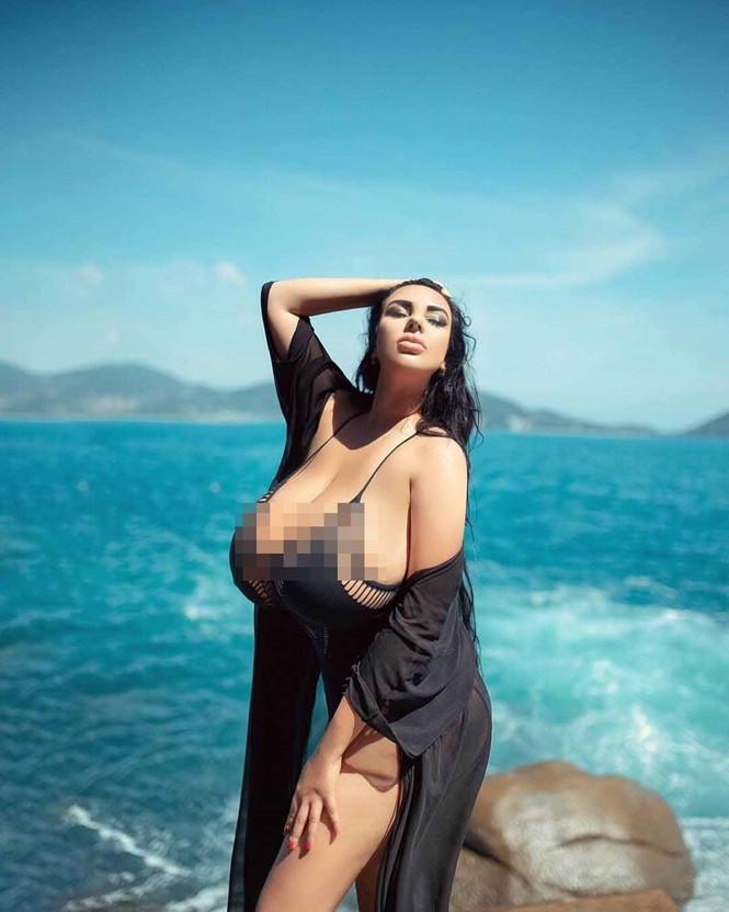 Người mẫu Nga kể khổ, liên tục bị quấy rối vì có vòng một tự nhiên khổng lồ - ảnh 6