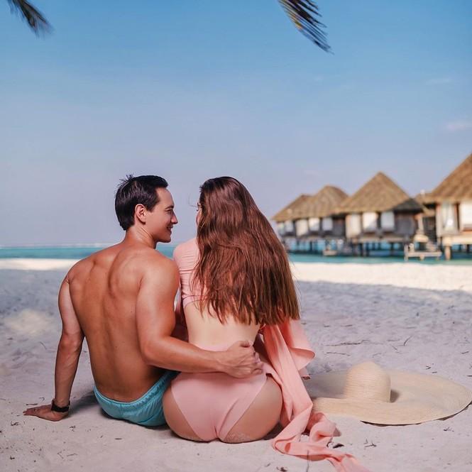 Hồ Ngọc Hà mặc bikini cực sang chảnh, được bạn trai ôm eo âu yếm - ảnh 7