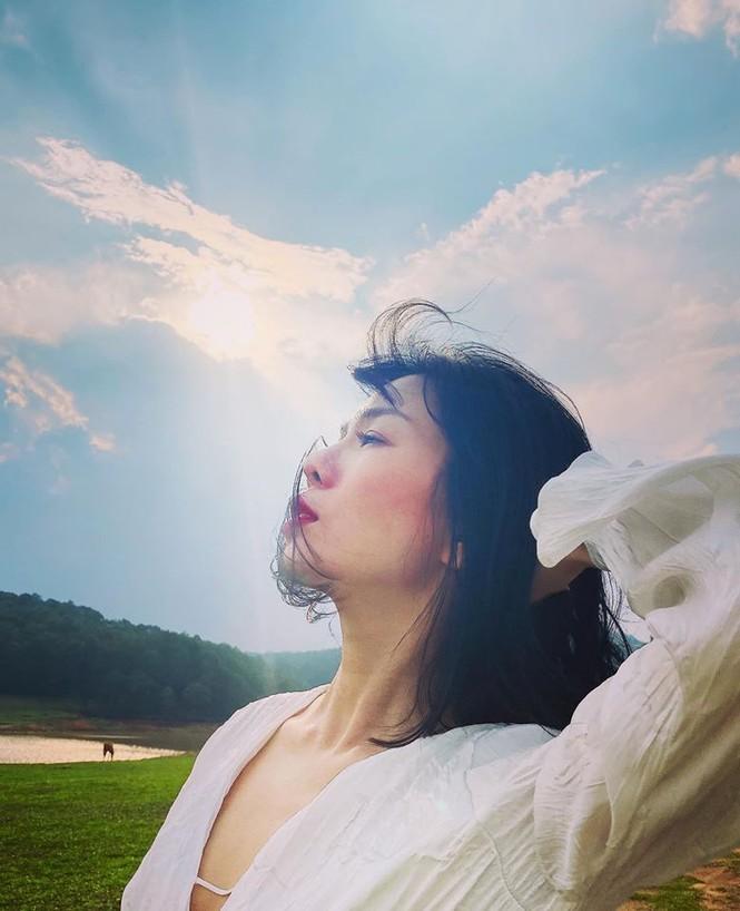 Sao Việt cách ly ngày 2: Vũ Khắc Tiệp 'than' tiếc nuối, Lệ Quyên làm thơ - ảnh 2