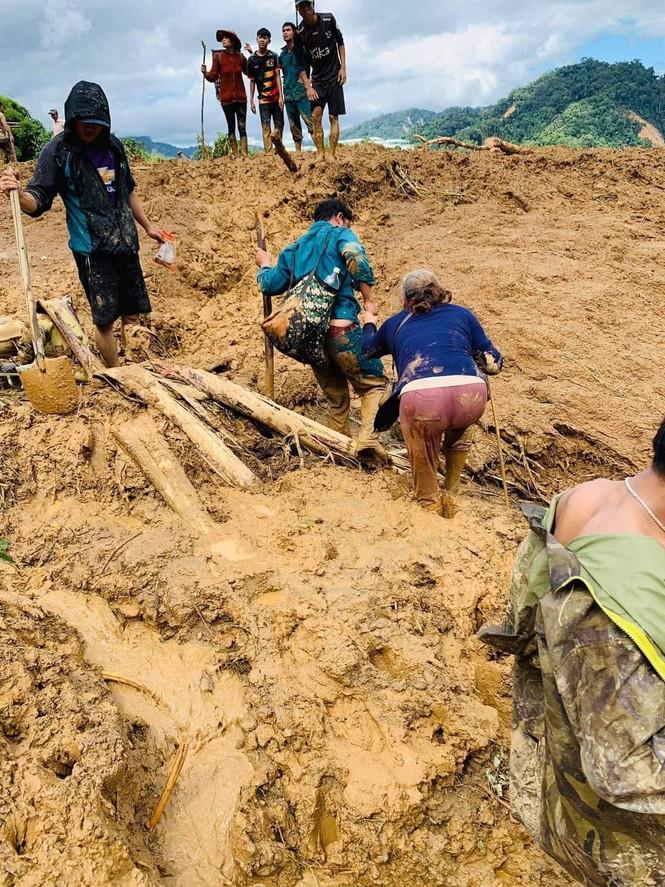 CẬP NHẬT: Tìm thấy 5 thi thể vụ lở núi khiến 11 người bị vùi lấp ở Phước Sơn - ảnh 3
