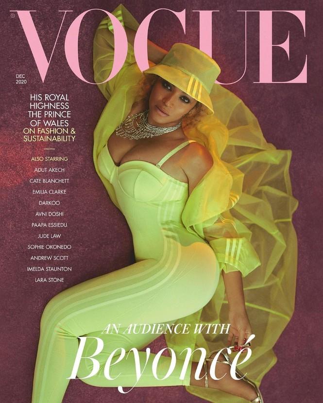 Beyonce diện đầm khoét lưng sâu, khoe vòng ba nóng bỏng trên tạp chí danh tiếng - ảnh 1