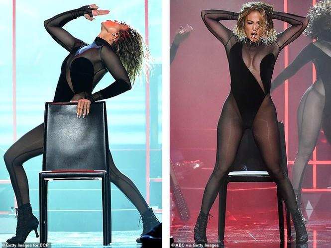 'Nóng mặt' với bộ đồ vừa cắt xẻ vừa xuyên thấu táo bạo của Jennifer Lopez  - ảnh 8
