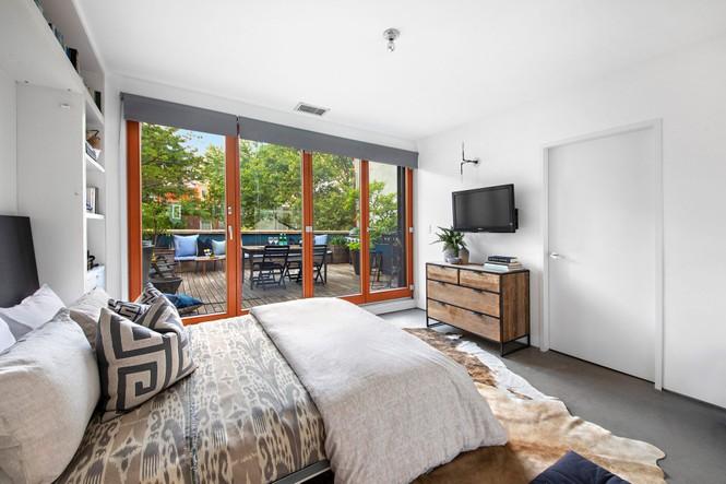 Choáng ngợp không gian bên trong ngôi nhà cải tạo từ garage có giá gần 3,4 triệu USD - ảnh 4