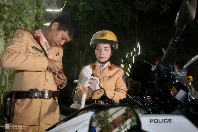 20 'bóng hồng' cảnh sát giao thông dẫn đoàn đại biểu dự Đại hội Đảng - ảnh 3