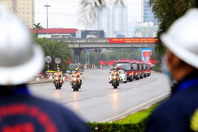 20 'bóng hồng' cảnh sát giao thông dẫn đoàn đại biểu dự Đại hội Đảng - ảnh 5