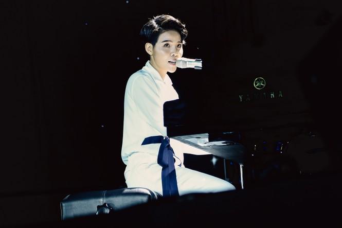 Nhìn lại những khoảnh khắc khó quên trong Birthday Concert đầu tiên của Vũ Cát Tường - ảnh 2