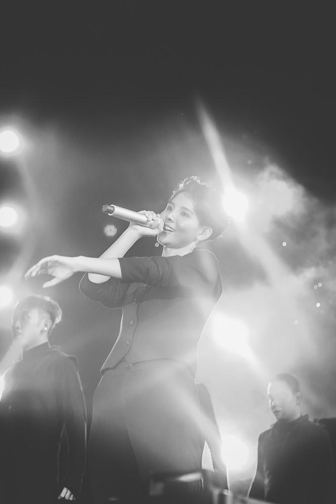 Nhìn lại những khoảnh khắc khó quên trong Birthday Concert đầu tiên của Vũ Cát Tường - ảnh 15