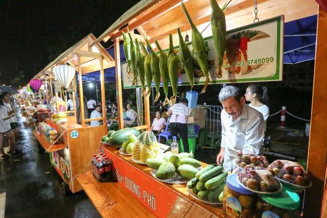 Khám phá 15 gian hàng ẩm thực tại phố đi bộ mới của Hà Nội - ảnh 6