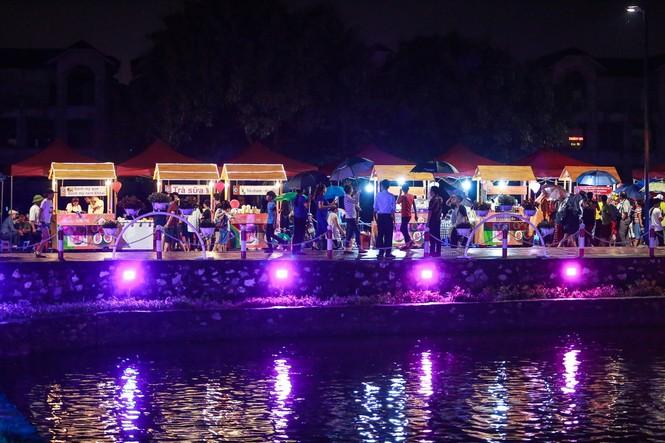 Khám phá 15 gian hàng ẩm thực tại phố đi bộ mới của Hà Nội - ảnh 2