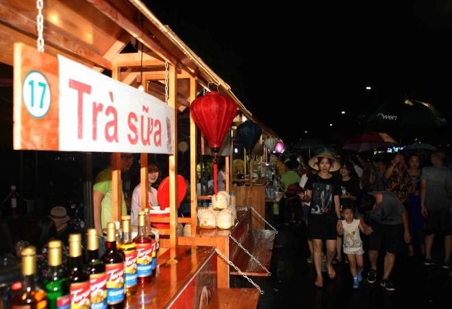 Khám phá 15 gian hàng ẩm thực tại phố đi bộ mới của Hà Nội - ảnh 5