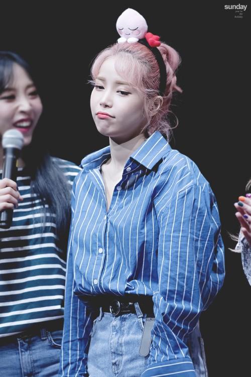 Người khác bĩu môi thấy ghét, idol K-Pop làm thế thì fan cưng muốn xỉu - ảnh 2