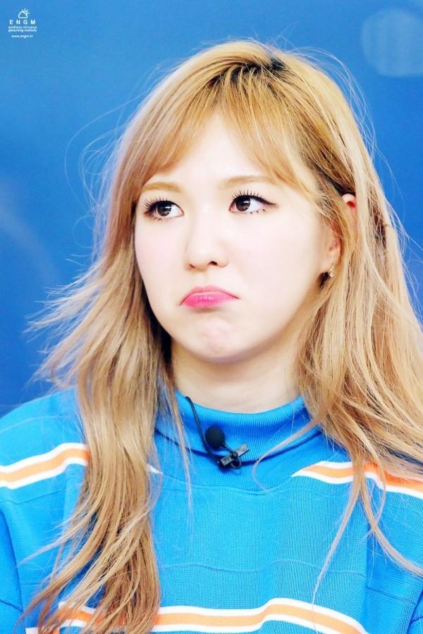 Người khác bĩu môi thấy ghét, idol K-Pop làm thế thì fan cưng muốn xỉu - ảnh 6
