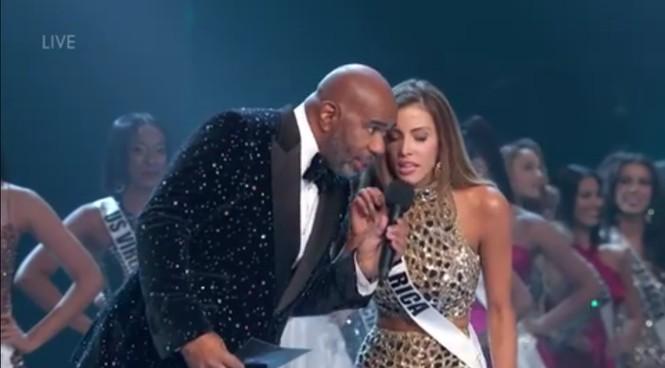 Miss Universe 2018: Khổ thân MC Steve Harvey, lại bị trêu vì