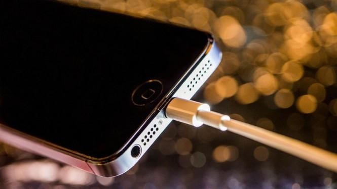 Nhìn lại chặng đường của Apple với 21 chiếc iPhone từng được trình làng hơn 10 năm qua - ảnh 17