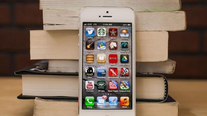 Nhìn lại chặng đường của Apple với 21 chiếc iPhone từng được trình làng hơn 10 năm qua - ảnh 18