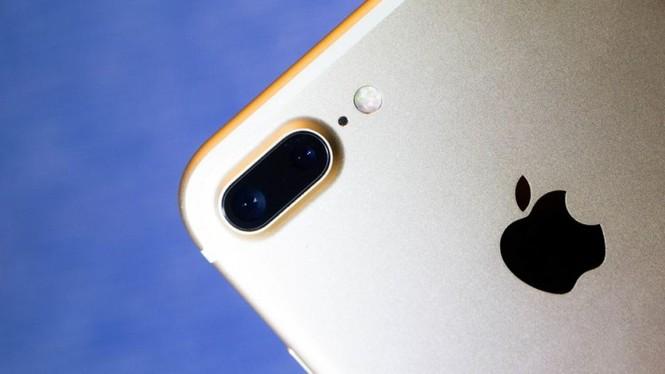 Nhìn lại chặng đường của Apple với 21 chiếc iPhone từng được trình làng hơn 10 năm qua - ảnh 35