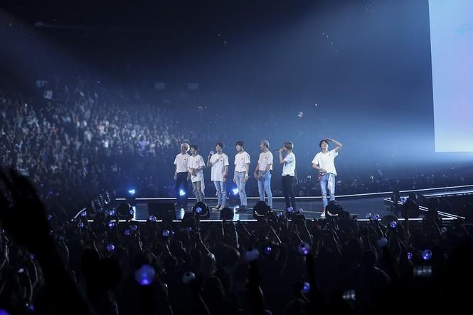 Theo chân BTS đi tour, vất vả cực nhiều nhưng hạnh phúc cũng chẳng hề ít - ảnh 2